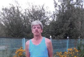 Yuriy, 58 - Just Me