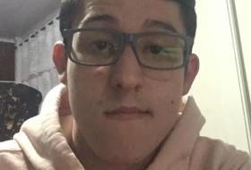 Leonardo Santos, 19 - Just Me