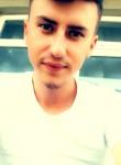 Yasin , 23  , Istanbul