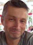 Hervé, 50  , Dax