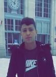 Yassin, 18, Valence