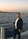Hasan, 26  , Istanbul