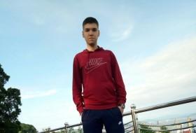 Nikita, 19 - Just Me