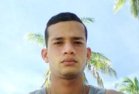 Esteban, 23 - Just Me