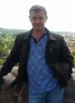 Albert, 50  , Pasilaiciai