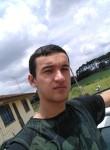 Evandro, 22, Curitiba
