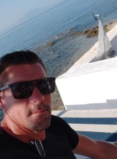 Dimitris, 40, Greece, Athens