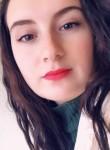 Sara, 20  , Montaigu