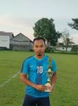 Zae, 18  , Kediri