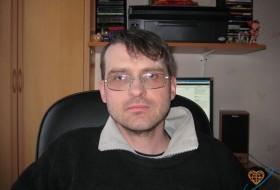 Viktor, 51 - Just Me
