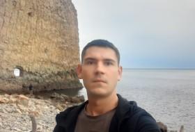 Aleksandr, 24 - Just Me