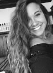 Zoey , 22, Milwaukee