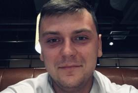 Ivan, 25 - Just Me