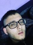 Giovanni, 23  , Como