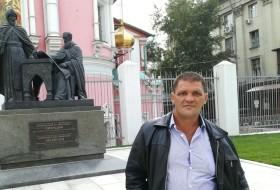 Konstantin Taras, 44 - Just Me