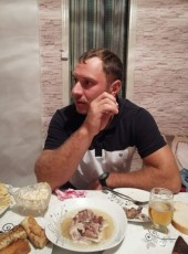 Aleksandr, 28, Republic of Moldova, Drochia