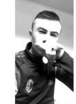 Theo, 20  , Saint-Leu-la-Foret