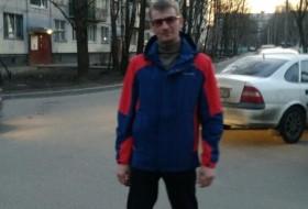 Maksim Zapevalov, 36 - Just Me