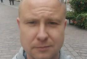 Maksym, 38 - Just Me
