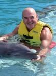 Lopez, 52  , Berlin