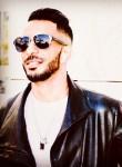 ach, 26, Tunis