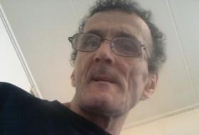 Aovari, 57 - Just Me