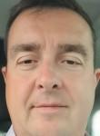 benoit, 42  , Saint-Quentin-en-Yvelines