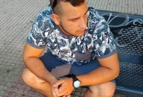 Panos , 24 - Just Me