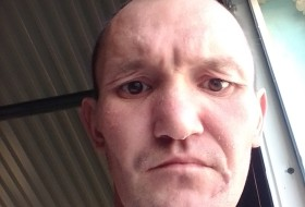 Denis Khaybullin, 33 - Just Me