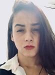 Francisca, 18, Belo Horizonte
