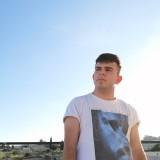 Dario , 25  , Alessano