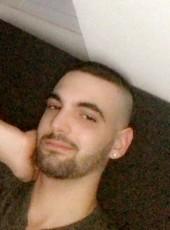 Charles, 22, France, Paris