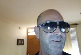 Miguel, 51 - Just Me