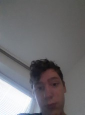 Julian, 20, Germany, Tarp