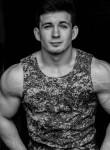 Maksim, 32, Saint Petersburg