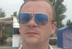 Ivan, 37 - Just Me