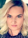 Melanie, 43  , Omaha