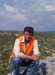 Yasar, 18  , Emet