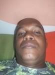 Titela , 39  , Salvador