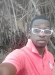 Johan akemi, 36  , Libreville