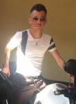 Mario, 31  , Brusciano