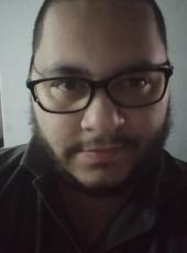 Luis E, 25, Colombia, Medellin