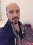 Emiliano, 37  , Nikaia