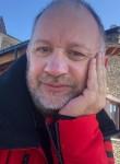 Lucas anak, 55  , London
