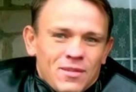 yuriy, 44 - Just Me