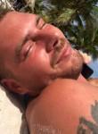 tommy, 37  , Grays
