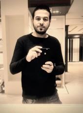 El-Gharieb, 31, United Arab Emirates, Abu Dhabi