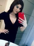 Lorie Lorie, 33  , Los Angeles