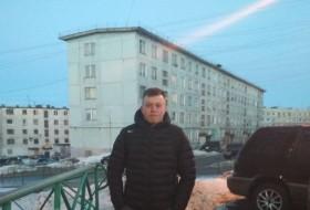 Grigori, 25 - Just Me