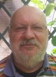 giuliano, 65  , Milano